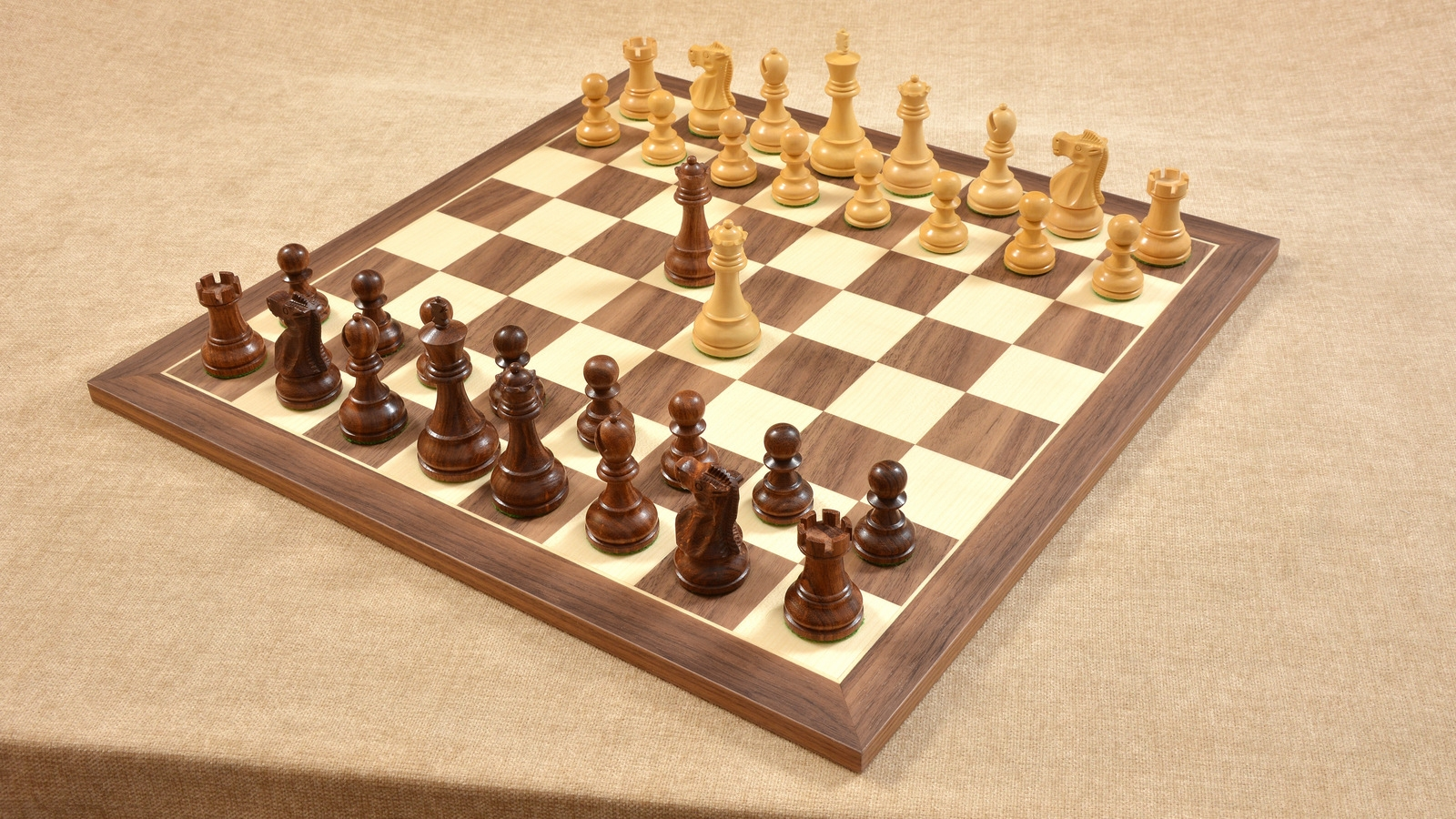 Combo of Reproduced 1972 Reykjavik Staunton Chess Pieces & Walnut Maple Chessboard - 3.7""